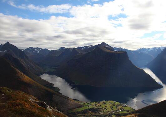 Bilde av Hjørundfjorden og Norangsfjorden
