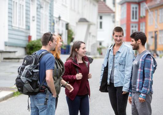 Studenter ved Universitetet i Bergen under semesterstart august 2015