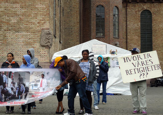 Irregulære migranter demonstrerer i Oslo