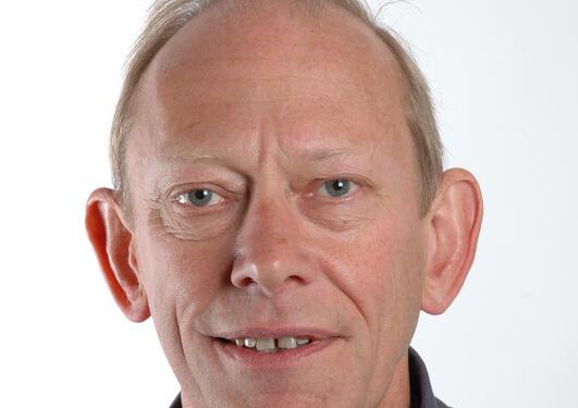 Professor og dekan Jan Erik Askildsen