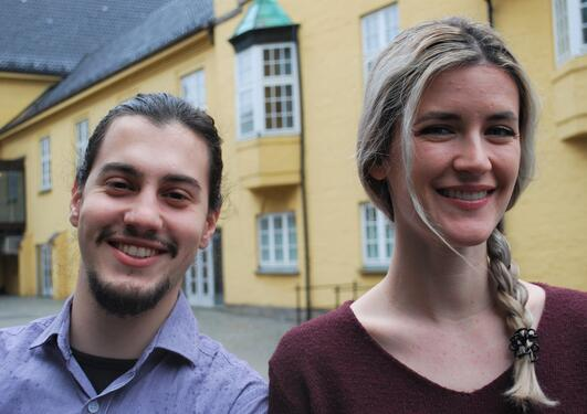 Christina and Jaime in front of Sydneshaugen skole