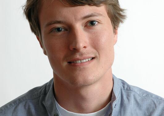 Portrettfoto Julian Vedeler Johnsen