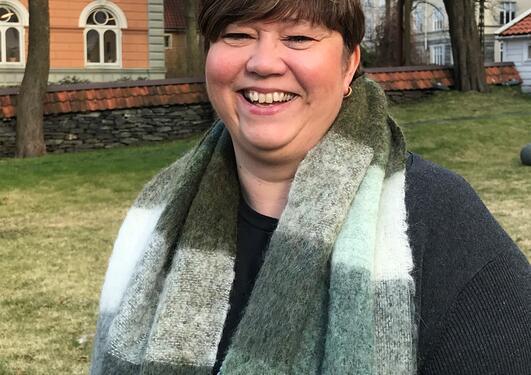 Bildet viser June Indrevik som er det nye hovedverneombudet ved universitetet.