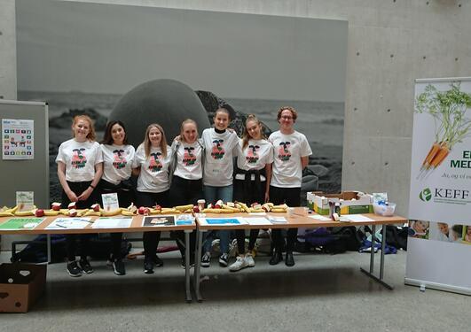 Kliniske ernæringsstudenter markerer kef-dagen på BB-bygget