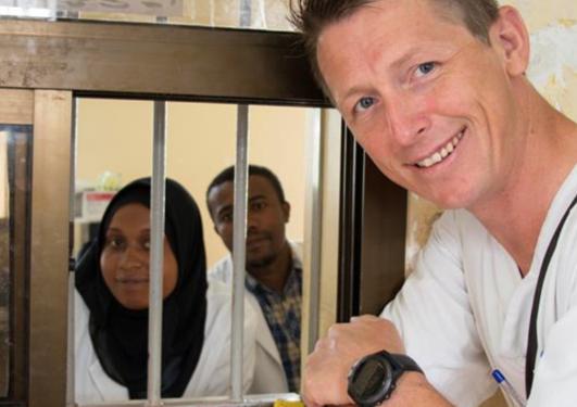 Kjell Arne Johansson på jobb i Zanzibar