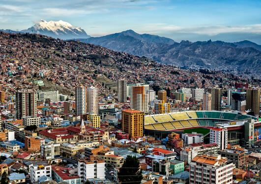Bildet viser et bilde av La Paz i Bolivia