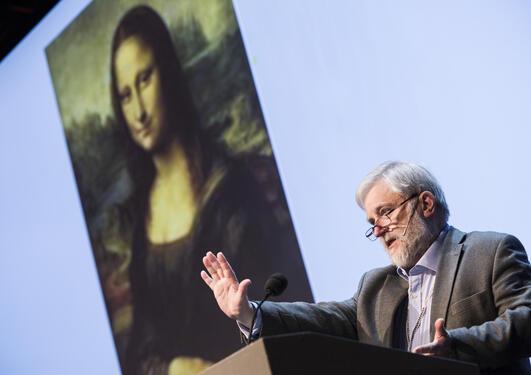 Michael Pye på scenen under Christiekonferansen