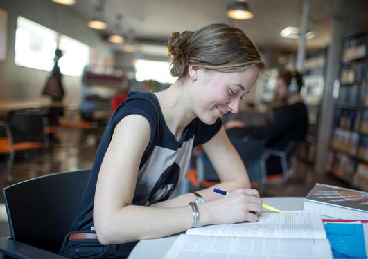 Student leser
