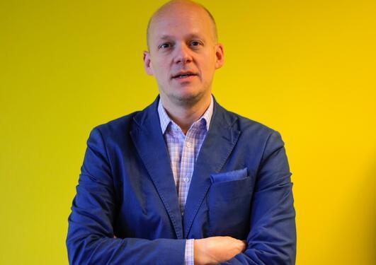 Månedens alum Petter Snare, direktør i KODE