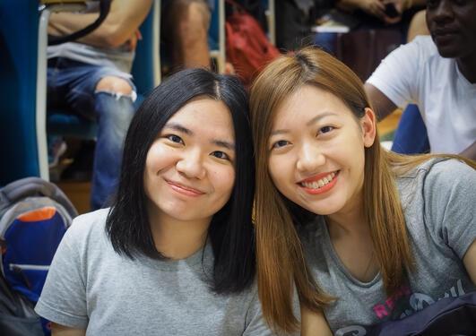 To nye internasjonale studentar på SV hausten 2019