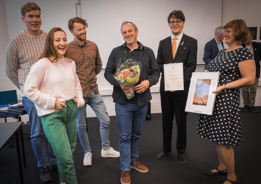 Lars Nyre får læringsmiljøprisen