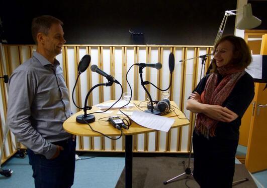 Professor Jens Kjeldsen i samtale med Hilde Kvalvaag. – Han har bare et argument. Argumentet er Donald Trump, sier Jens Kjeldsen om Trump.