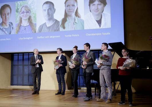 Frå utdelinga av rekrutteringsstipend under Bergens forskningsstiftelse sitt arrangement i Universitetsaulaen 2. desember 2016.