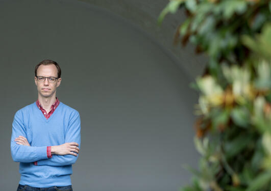 Portrett av Georg Picot fra Institutt for sammenliknende politikk ved Universitetet i Bergen (UiB), avfotografert juni 2017.