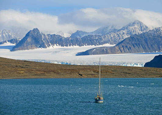 Our field vessel (Arctica II), docked near the study site