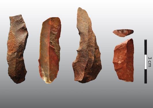 Steingjenstander laget av steinaldemennesker etter 65.000 år tilbake, fra Klipdrift Shelter i Sør-Afrika.
