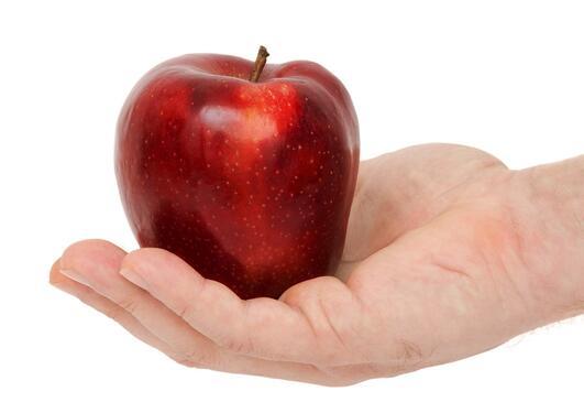Eple i hånd