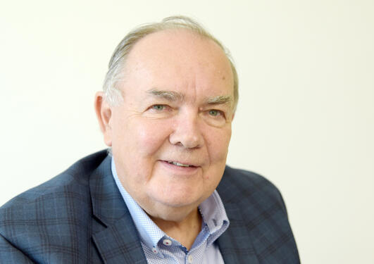 Roland Jonsson advarer mot røvertidsskrift
