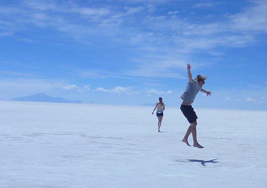 Bilde av Salar de Uyuni, en saltørken i Bolivia
