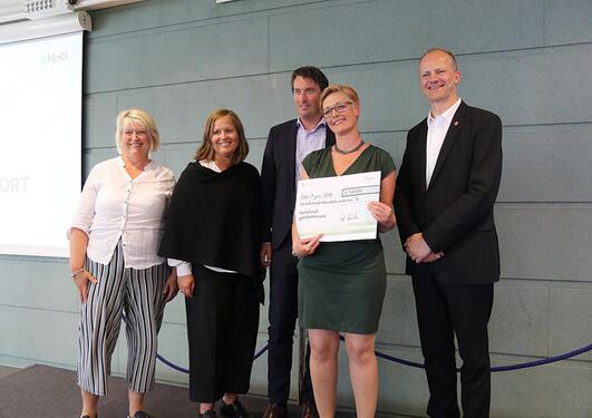 Samferdselsminister Ketil Solvik-Olsen sammen med Hordaland fylkeskommune