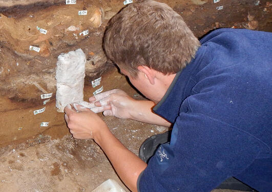 Magnus Mathiesen Haaland in Blombos Cave