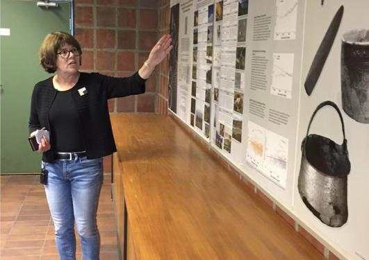Kari Hjelle åpner utstilling i Realfagbygget