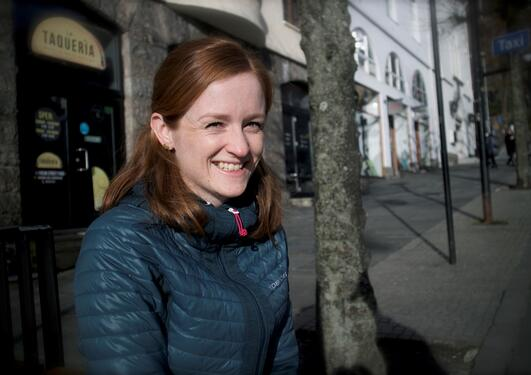 Lisbeth Håvik jobber som rådgiver innen meteorologi og oseanografi på marinebasen Haakonsvern i Bergen