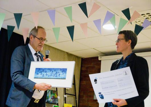 Utdeling av Spurveugleprisen 2017 til Ingunn Lund og russiskfaget