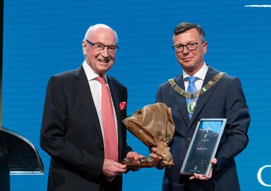 JAn Einar Greve mottar Christieprisen