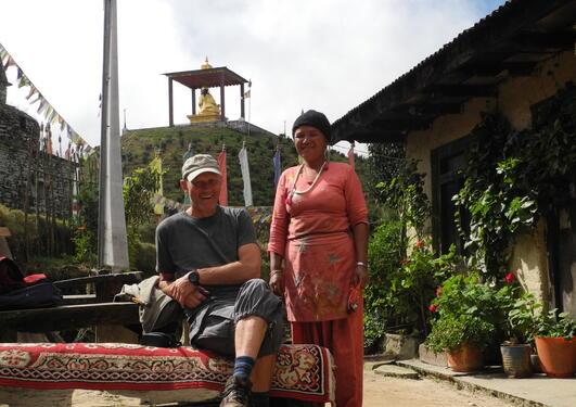 Tor Halfdan Aase på feltarbeid i Nepal
