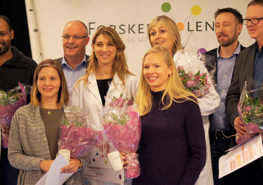 Group photo of all the winners of Research Presentations 2014