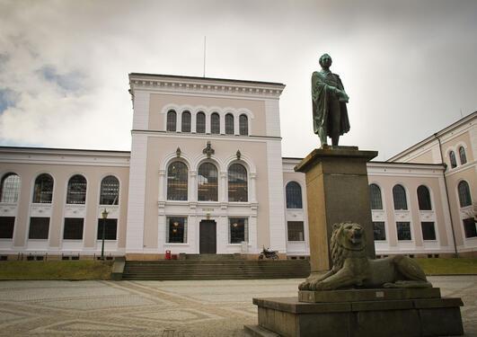 Skjulte skatter i form av ukjente brev er oppdaget på Bergen Museum.