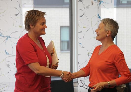 Statsråd Rigmor Aaserud møtte visrektor Astri Andresen.