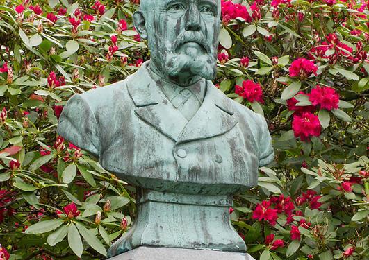 Jo Visdal: Gerhard Armauer Hansen, 1900.