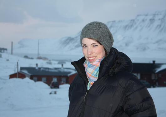 Meteorologistudent Cecilie Villanger stortrives på utveksling på Svalbard.