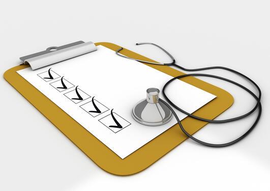 Sjekklister for legemiddelbehandling av eldre bør bli gjort meir kjend.