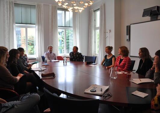Møte i forskningsgruppen Demokrati og utvikling