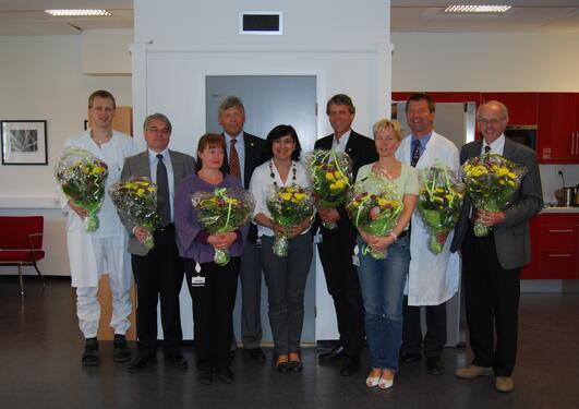 Frå venstre: Bjørn Egil Vikse, Dag Moster, Anni Vedeler, dekanus Per Omvik,...