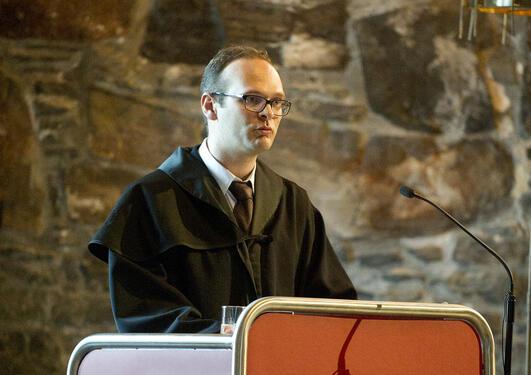 Kjetil Mangset Skjerve fra Det juridiske fakultet holdt tale på vegne av de...
