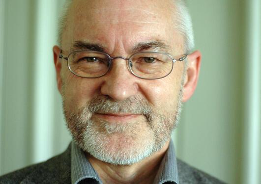 Rektor Sigmund Grønmo sier UiB har god dialog med