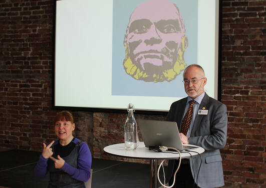 UiB-rektor Sigmund Grønmo åpnet konferansen torsdag 14. mars.