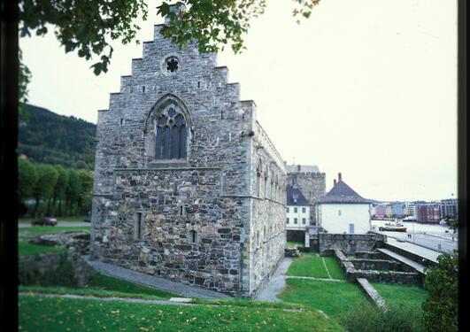 Håkonshallen feirer 750 år den 11. september, og det markeres med blant annet...
