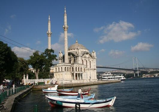 Ortaköy Mosque with the Bosphorus Bridge in the background, Istanbul.