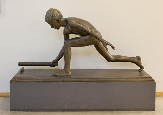 Istvan Szentgyörgyi: Lekende gutt, 1920.