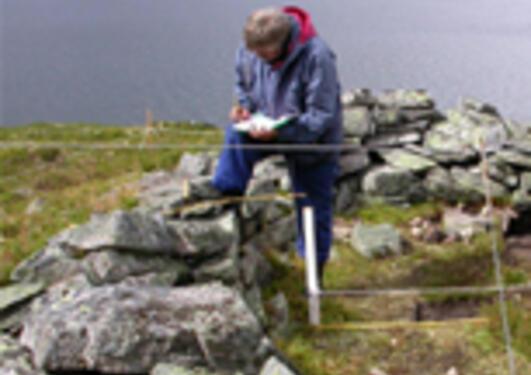 arkeologer i felt ved Langevannet