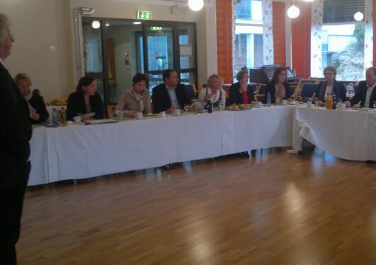 Helsekomiteen lytta nøye til fagmiljøet sine framlegg om eldreomsorg i framtida.
