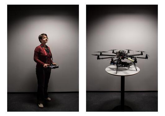 Bilde brukt ifm tema Oljebyen Bergen i Hubro 01/2013. Forsker Aleksandra Sima ved Uni CIPR og en drone, som skal brukes til oljeleting.
