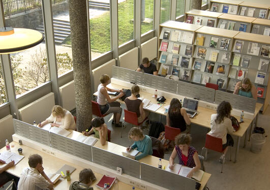Legger man vekt på både utdanning og forskning kommer UiB best ut blant...