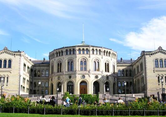 Stortinget og det parlamentariske systemet mellom 1964 og 2014 skal forskast på.