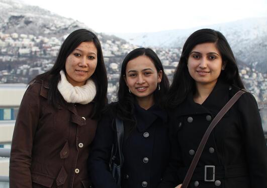 Shreeju Shrestha, Shilshila Acharya og Pratikshya Kandel har kjent seg...